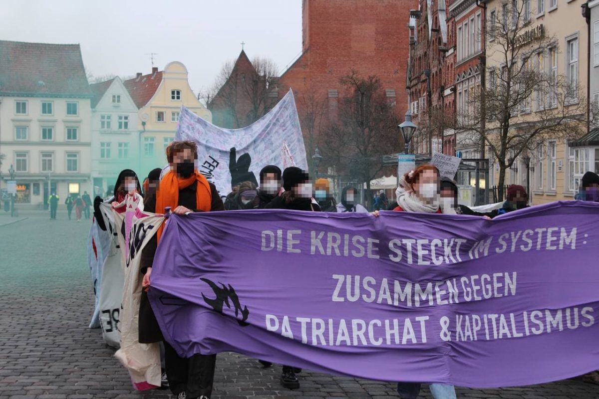 The system is in crisis – together against capitalism and patriarchy!